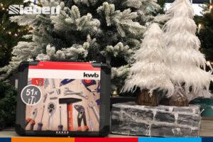Werkzeugkoffer kwb unterm Weihnachtsbaum bei Siebert